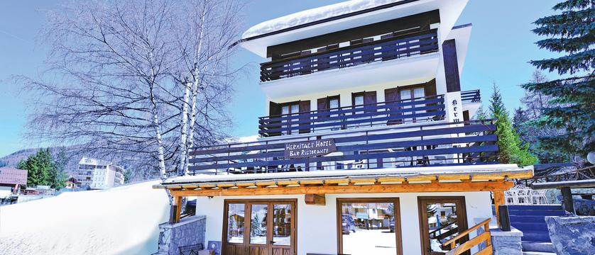 italy_milky-way-ski-area_sauze-doulx_hotel-hermitage_exterior2.jpg